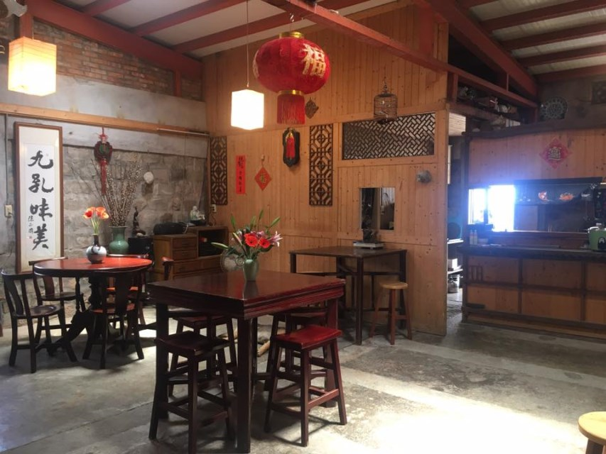92K Weekend Canteen-Seafood dishes-Restaurant interior