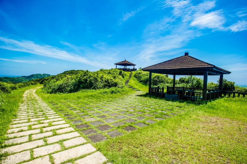 Longdong Bay Hiking Trail and appreciate beauty of nature